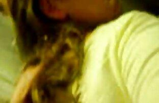 مرد فیلم سکسی سفید licked دختر و قرار دادن یک فالوس در او