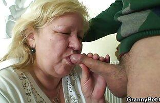 کریستینا گسترش می یابد و می فیلم سکسی جوراب سفید دهد مقعد