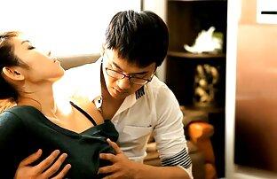 یک مرد نوجوان در زمان دانلود سکس سفید برفی لذت در لعنتی با یک مادر دوست داشتنی که او را اغوا