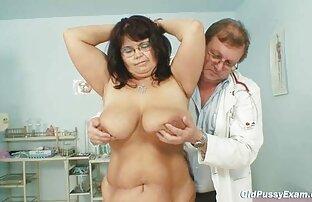 زن در کت و کونگنده سفید شلوار شفاف استمناء